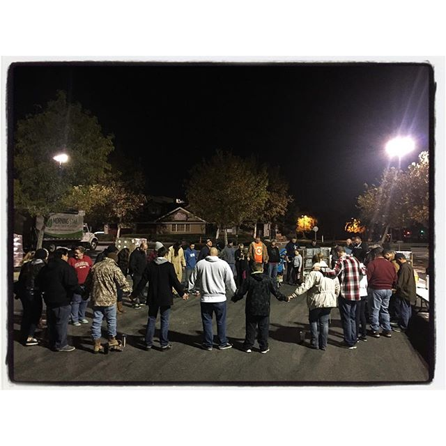And so with a group prayer at 5:30am, Love for Thanksgiving starts again. Looking to feed 80,000 people in Bakersfield today. Peace. #loveforthanksgiving