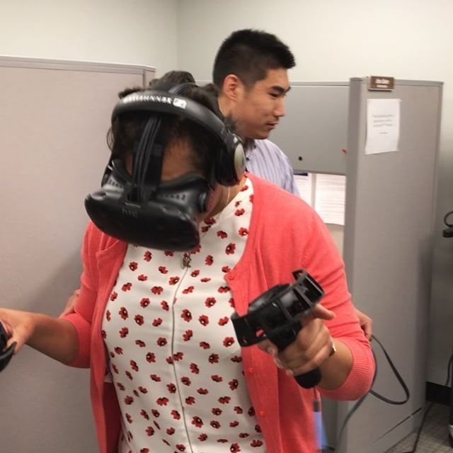 Assistant Dean Jennifer Simmons gets the full virtual reality experience. #meekjournalism #meekjourno